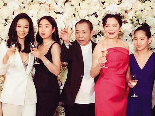 Lam Thanh Ha vuong tin ly hon chong ty phu