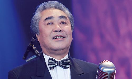 NSND Quang Thọ vẫn biểu diễn đều đặn ở tuổi gần 70.