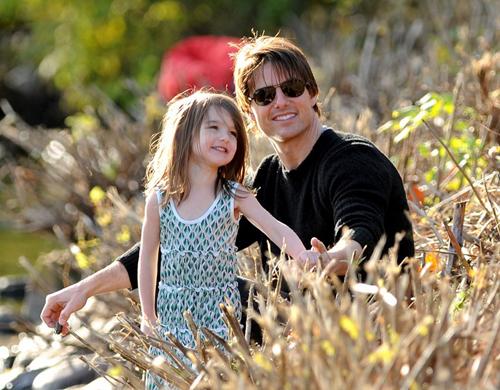 Tom Cruise tu choi quyen tham nom Suri