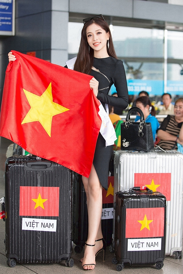 Hoa hau Tieu Vy tien Phuong Nga di thi nhan sac quoc te