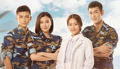 Từ trái sang: diễn viên Hữu Vi, Cao Thái Hà, Khả Ngân và Song Luân.
