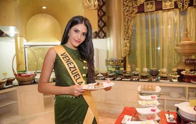 Phuong Nga du tiẹc tói Miss Grand International