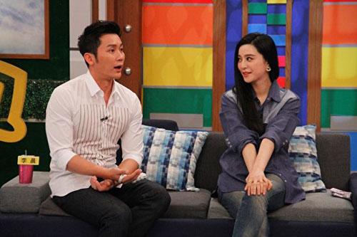 Năm 2016, đôi uyên ương làm khách mời chương trình Khang Hy đến rồi. Talk show do Từ Hy Đệ chủ trì nổi tiếng vì thường đặt các câu hỏi thẳng thắn, táo bạo về đời tư nghệ sĩ.