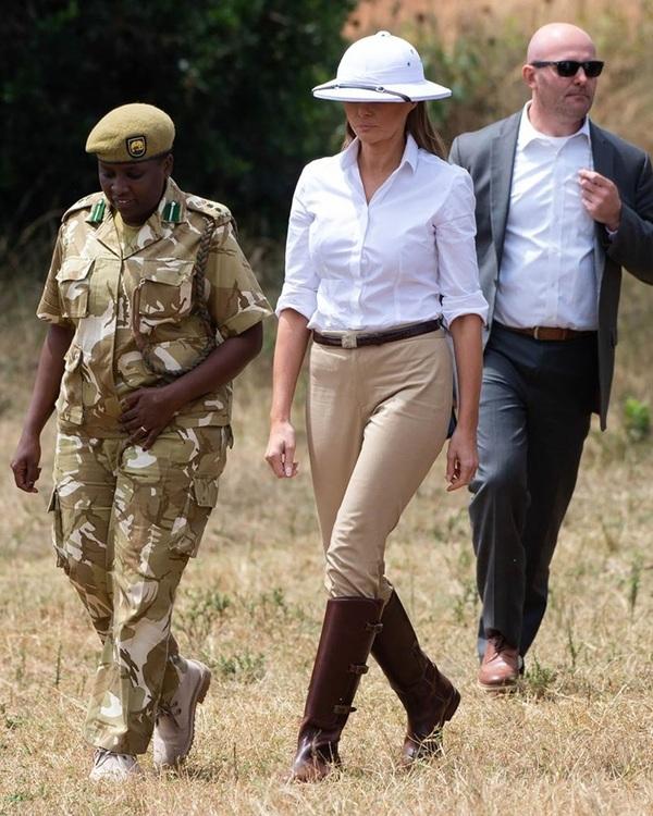 Những bộ đồ gây bàn tán của Melania Trump