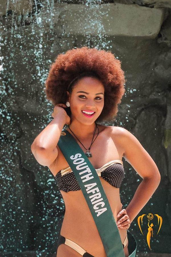 Thí sinh Miss Earth mạc bikini ra mát báo giói Philippines