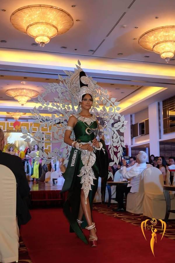 Việt Nam giành huy chương vàng giải 'Trang phục dân tộc' Miss Earth