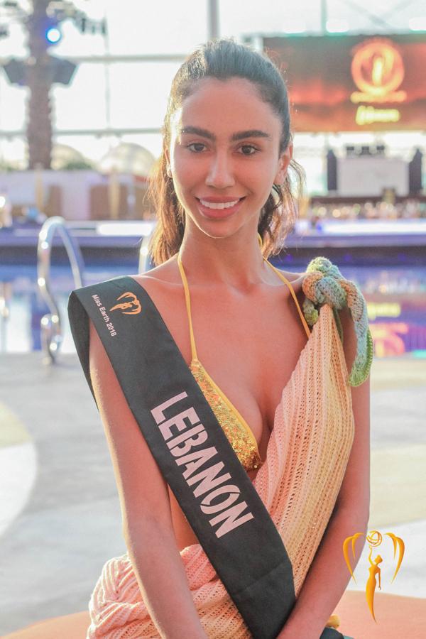 Mat moc cua Phuong Khanh va dan nguoi dep Miss Earth