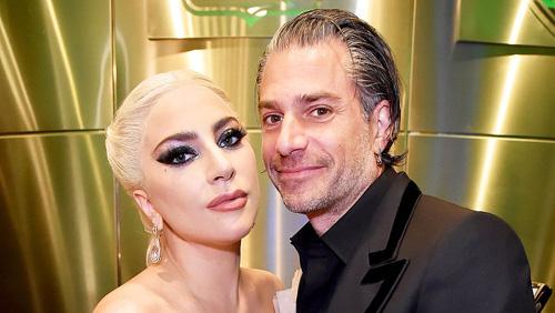 Lady Gaga dính hon Christian Carino