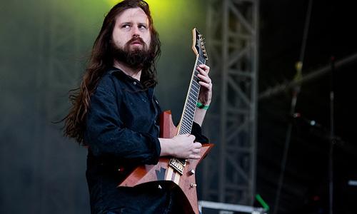 Tay guitar của nhóm All That Remains qua đời ở tuổi 44 - Giải Trí