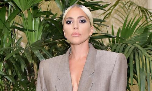 Lady Gaga gây bàn tán khi mặc suit thùng thình - Giải Trí