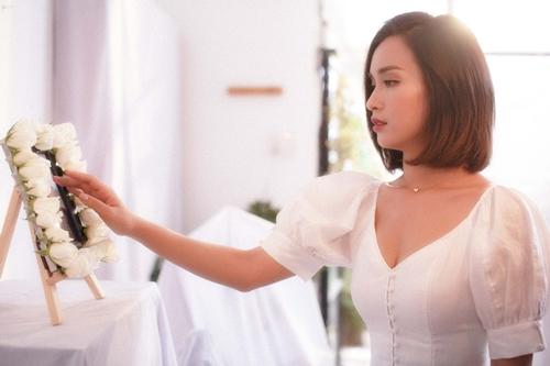 Ái Phương và Quang Bảo trong MV.