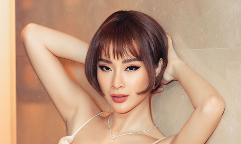 angela-phuong-trinh-cat-toc-bum-be-deo-trang-suc-tien-ty