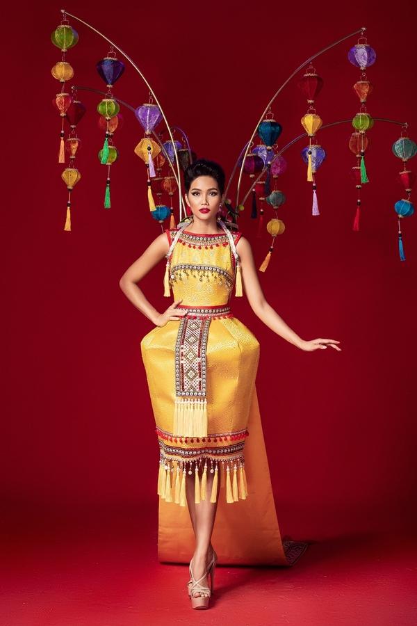 6 mau trang phuc dan toc de HHen Nie chon thi Miss Universe