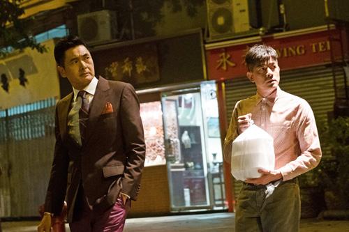 Tạo hình Châu Nhuận Phát (trái) vàQuách Phú Thành trong phim.