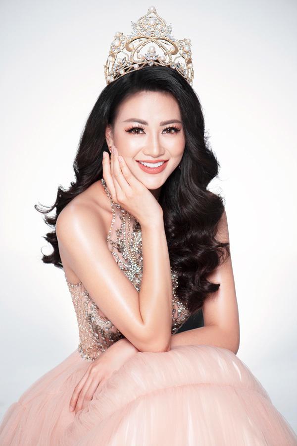 Phuong Khánh ton dang voi vay da hoi bikini