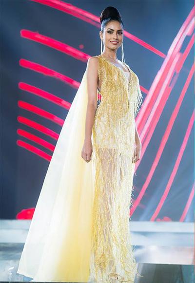 Sri Lanka nổi bật ở cả hai phần thi đêm bán kết, váy dạ hội và bikini.