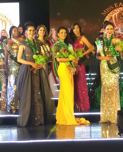 Phuong Khánh giành huy chuong vang Trang phục dạ họi tại Miss Earth