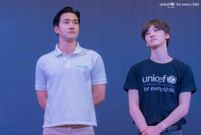 Fan Viet phan khich khi gap Choi Siwon
