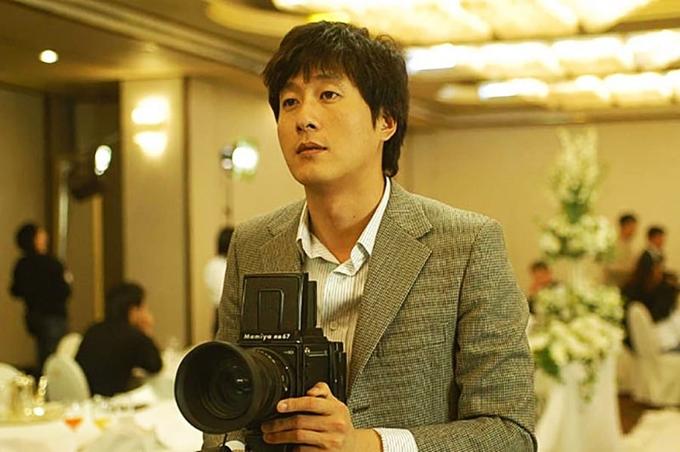Dong nghiep quay quan ben mo Kim Joo Hyuk trong ngay gio dau