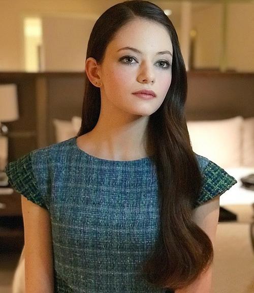 Mackenzie Foy - co bé Twilight thành thiéu nũ dịu dàng
