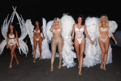 Chi em nha Kardashian hoa than thien than Victorias Secret