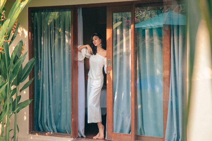Trang La mac sexy dao biet thu vuon tai Bali