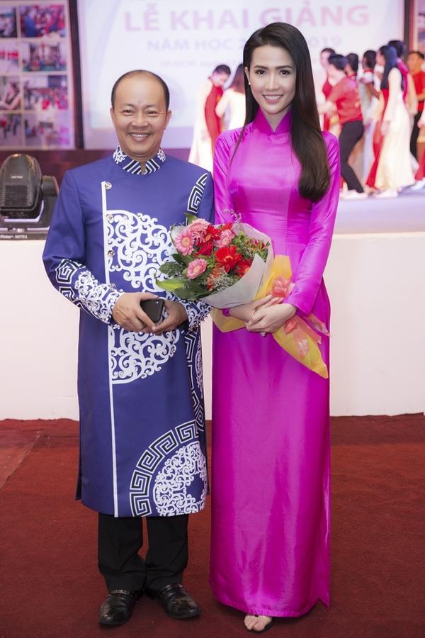 Phan Thi Mo hoi ngo NSUT Duc Hai o truong cu