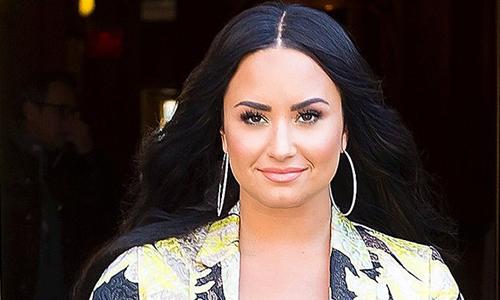 Demi Lovato roi trai cai nghien