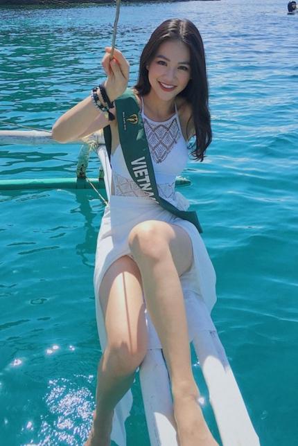 Người đẹp đi chơi các đảo nổi tiếngcủa Philippines bằng tàu.