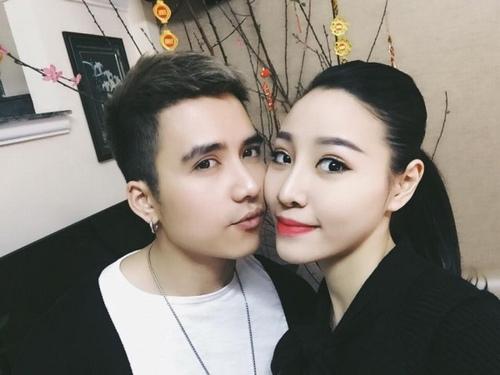 Mạnh Quân kết hôn với bà xã Kim Lê năm 2017.