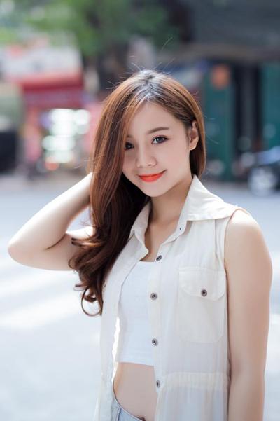 Quỳnh Kool tên thật là Nguyễn Thu Quỳnh, sinh năm 1995. Cô tốt nghiệp Đại học Sân khấu Điện ảnh (Hà Nội). Gần đây, diễn viên gây chú ý khi vào vai Đào - em gái Lan (Thanh Hương đóng) trong phim Quỳnh Búp Bê. Đào ruồng rẫy chị gái khi phát hiện Lan từng làm gái làng chơi. Cô cũng vướng vào mối tình tay ba với Kiên (Mạnh Quân đóng) và My Sói (Thu Quỳnh đóng).