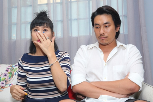 Kiều Minh Tuấn và Cát Phượng trong buổi gặp gỡ báo chí chia sẻ chuyện tình cảm hồi giữa tháng 10.
