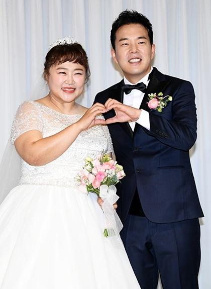 Danh hai beo Han Quoc giam 30 kg de mac vua vay cuoi