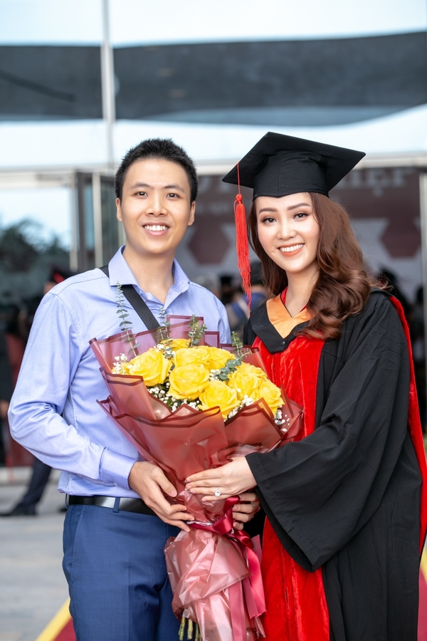 A hau Thuy Van nhan bang thac si