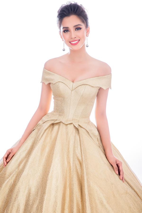 Bón chiéc váy dạ họi Tiẻu Vy dem tói Miss World 2018