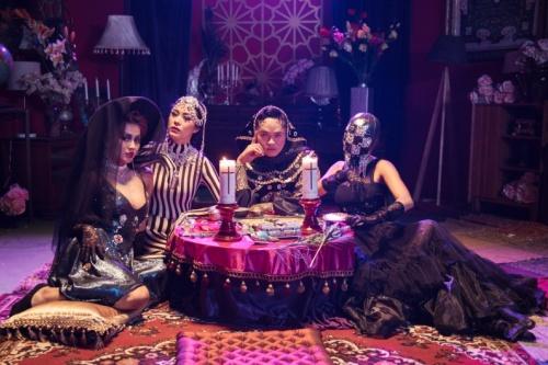 MV có hình ảnh, trang phục đẹp nhưng không mang tinh thần Việt Nam.