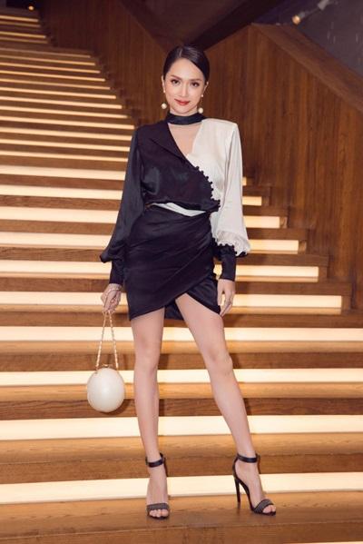 Hoa hậu Hương Giang cũng sở hữu chiếc túi giống Minh Hằng.