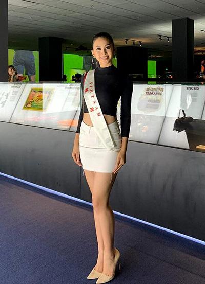 Tiẻu Vy tra loi luu loat o Thủ thách dói dàu cua Miss World