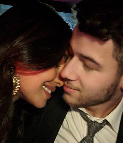 Priyanka Chopra và Nick Jonas vè Án Dọ truóc ngày cuói