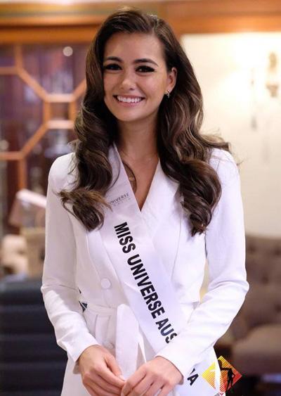 HHen Nie cùng dàn nguòi dẹp Miss Universe gạp báo giói Thái Lan