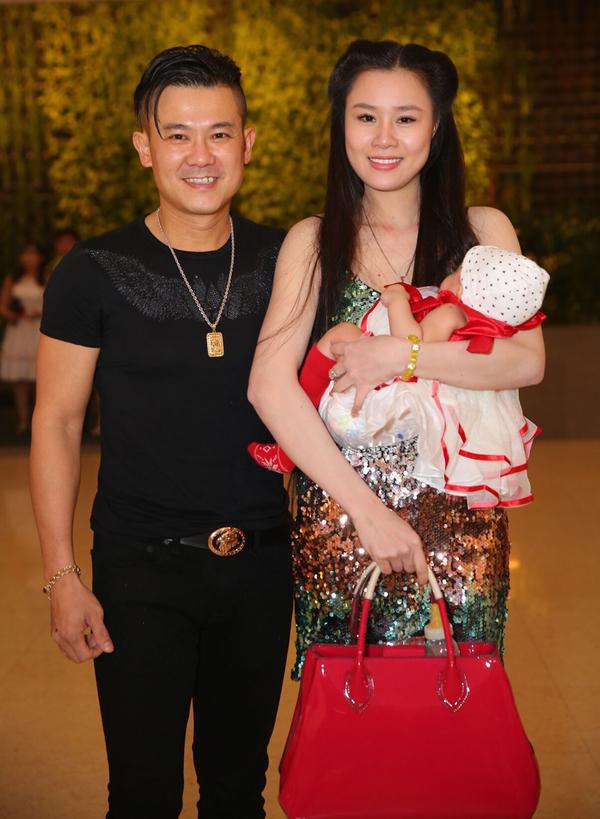 Dan sao du tiec cuoi Ung Hoang Phuc - Kim Cuong