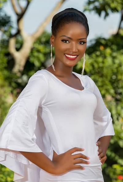 Quiin Abenakyo là người mẫu tại Uganda. Người đẹp sinh năm 1996 là thí sinh đầu tiên của Uganda vào Top 30 cuộc thi Hoa hậu Thế giới.