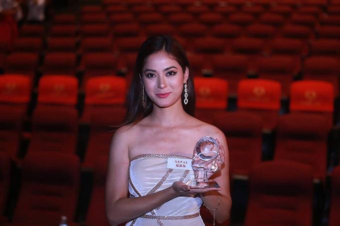 Vẻ dẹp chau Á của hoa hạu vùa tháng giải Nhan ái ỏ Miss World