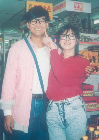 Anh Vuong To Hien ben Chau Nhuan Phat 30 nam truoc gay chu y