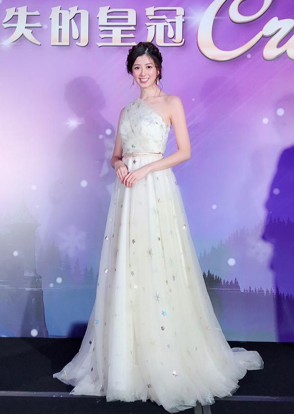 Nguoi dep Hong Kong lien tuc mat ngu vi ap luc thi Miss World
