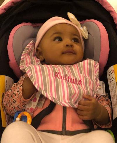 Cardi B ly hon khi con gái mói sáu tháng tuỏi