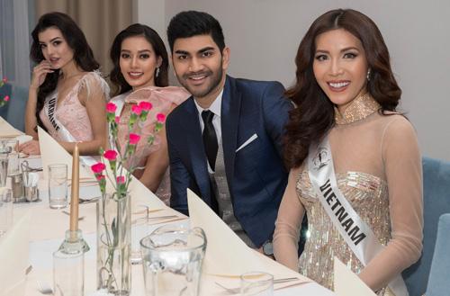 Trước đó, tối 6/12, Minh Tú giành chiến thắng bình chọn và có cơ hội tham dự bữa tiệc Royal Dinner cùng ông Gerhard Parzutka Von Lipinski  chủ tịch cuộc thi Hoa hậu Siêu quốc gia và chín giám khảo khác.