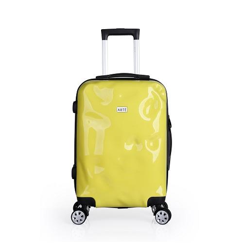 Vali Arte Candy 16000879CA20 - vàng: giá giảm còn 1,9 triệu đồng. Sản phẩm ghi điểm nhờ 4 cụm bánh xe kép vạn năng, xoay 360 độ, không tạo ra âm thanh khi sử dụng, độ bền và khả năng chịu lực cao.