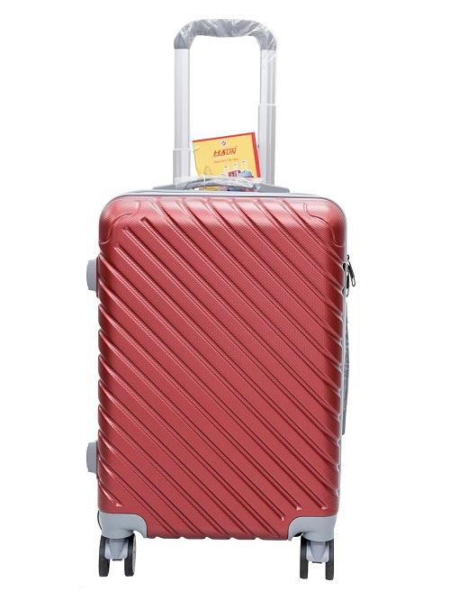 Vali du lịch Hasun B183 - đỏ: giá giảm còn 688.000 đồng. Ngoài trọng lượng 2,2kg, sản phẩm còn gây ấn tượng nhờ thiết kế thời trang theo phong cách trẻ trung, năng động cùng điểm nhấn là những đường kẻ sọc nghiêng.