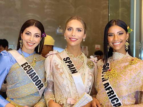 HHen Niê và dàn người đẹp Miss Universe diện váy truyền thống của Thái - ảnh 9